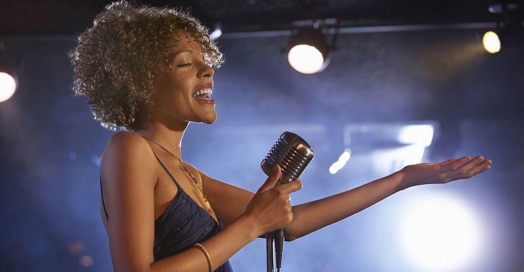 A wedding singer in Olathe, KS