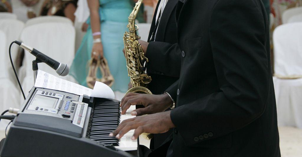 A wedding jazz band near you