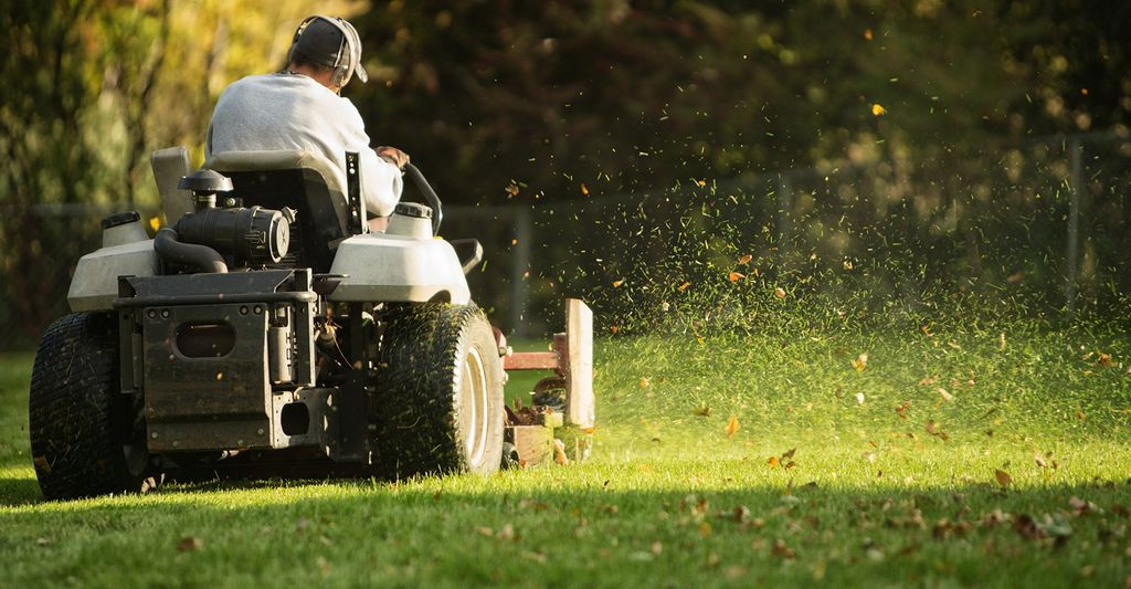An affordable lawn care service in Marietta, GA