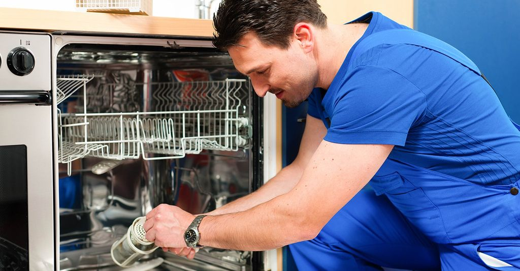 A commercial dishwasher professional in Flower Mound, TX