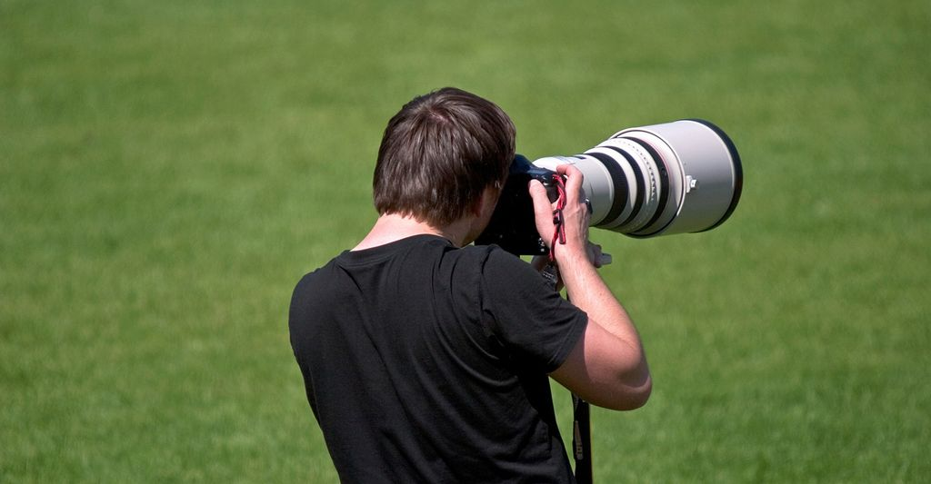 A youth sports photographer in Grapevine, TX