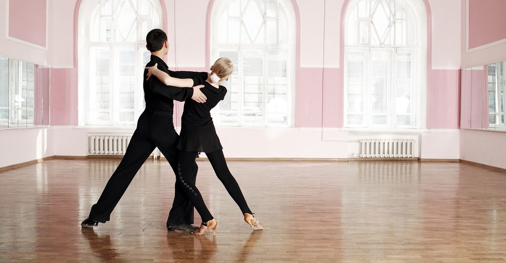A dance lesson for adults in Franklin, TN