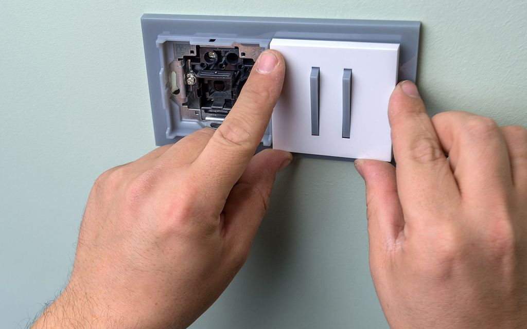 Switch and outlet repair cost