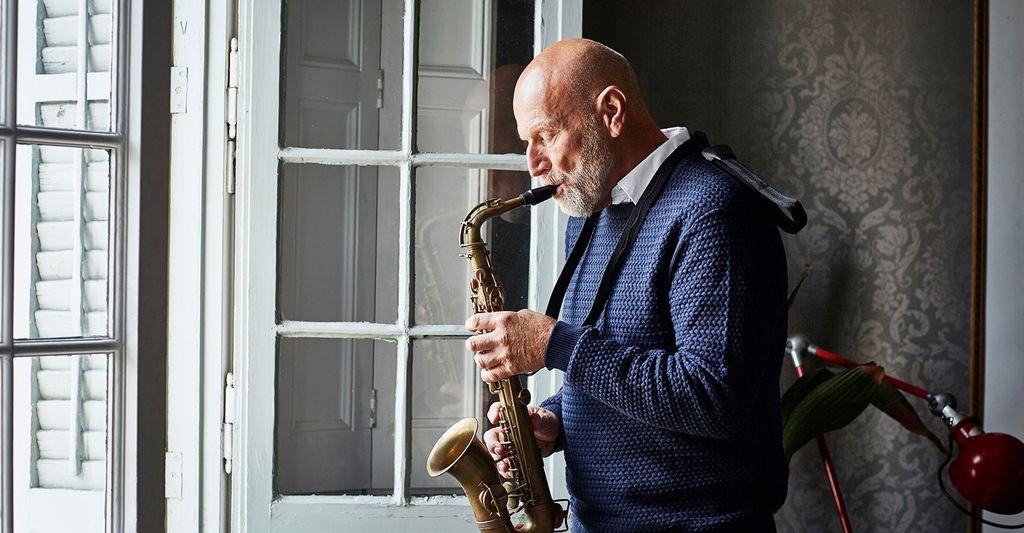 A tenor sax instructor in Hoboken, NJ