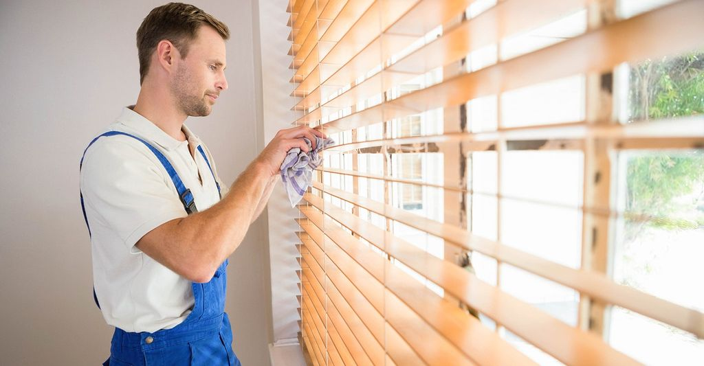 A window treatment professional in Allentown, PA