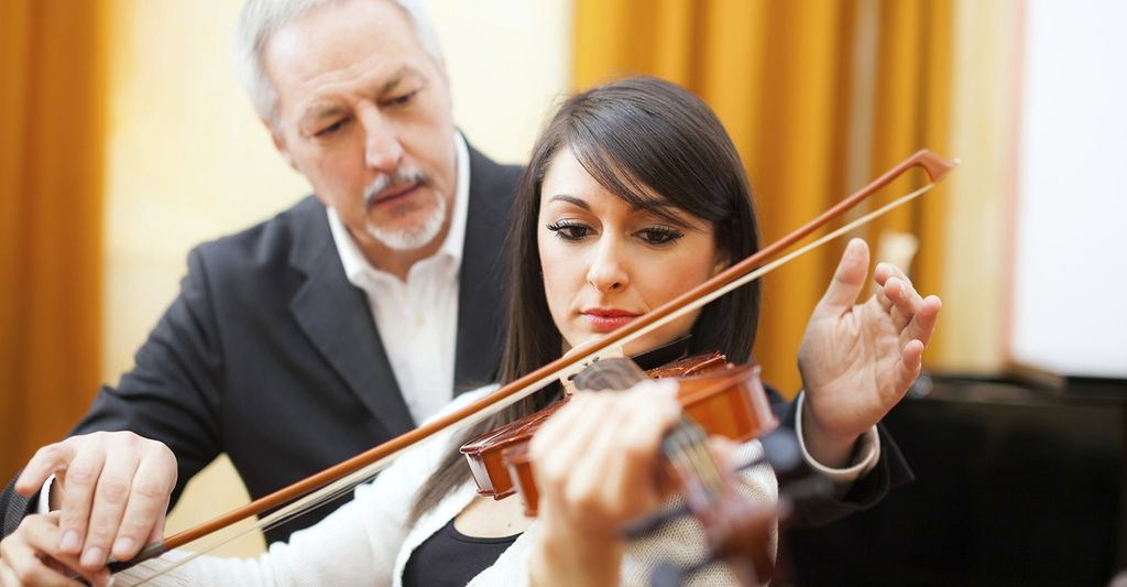 A violin instructor in Dallas, TX