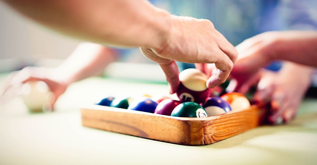 A pool table felt installer in Casa Grande, AZ