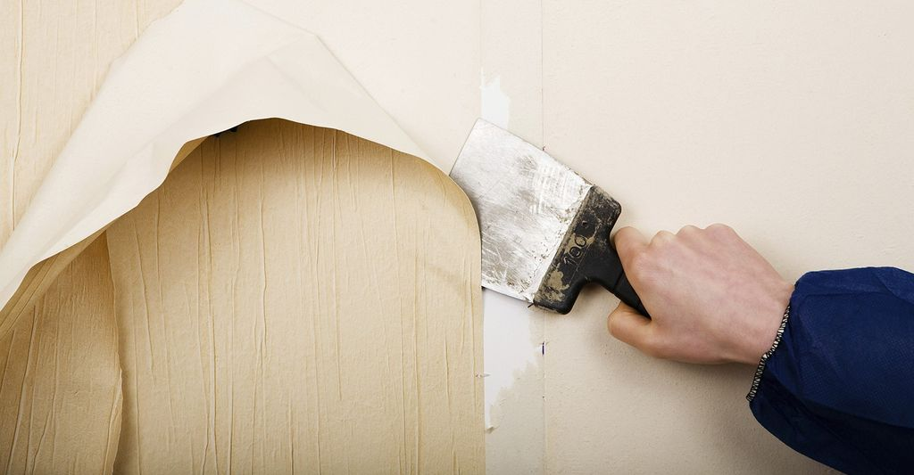 A wallpaper repair professional in Medford, MA