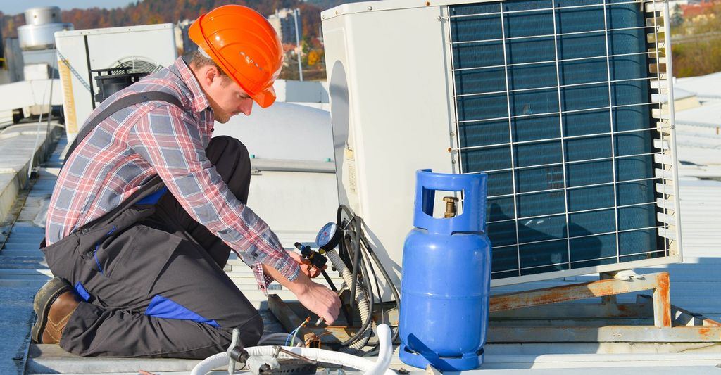 A central air conditioning repair professional in McKinney, TX
