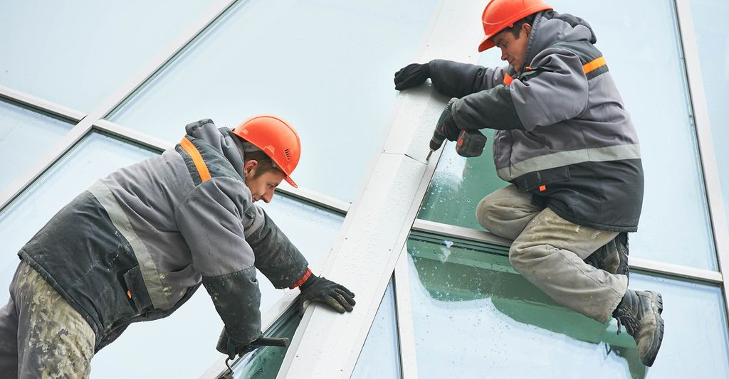 A window repair professional in Burleson, TX