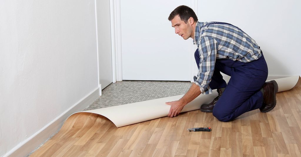 A linoleum installer in Chicago, IL