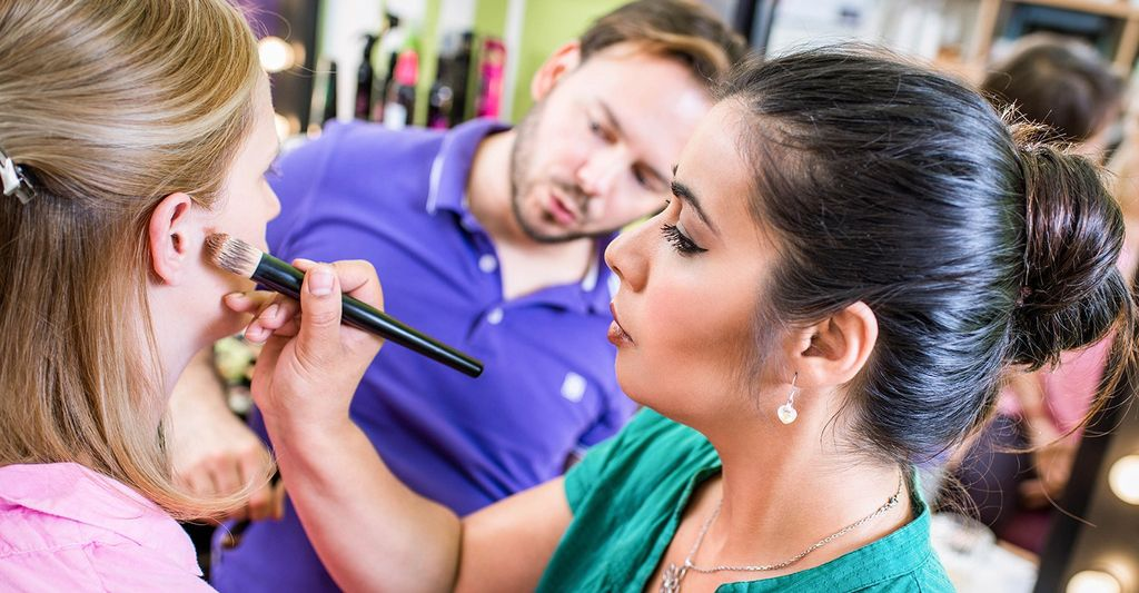 A Make Up Instructor in Gresham, OR