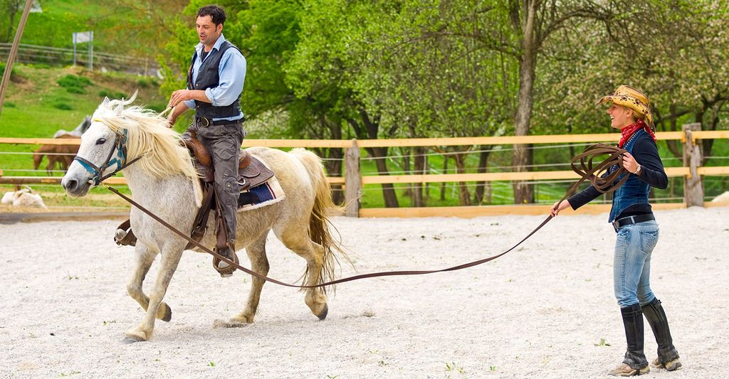 A beginner horse riding instructor near you