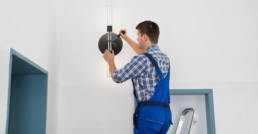 A Lamp Repair Professional in Tulsa, OK