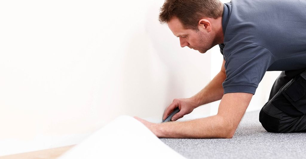 A commercial carpet installer in Duluth, GA