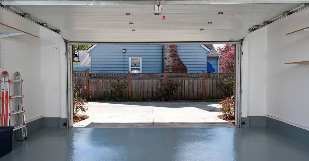 A garage door professional in Carrollton, GA