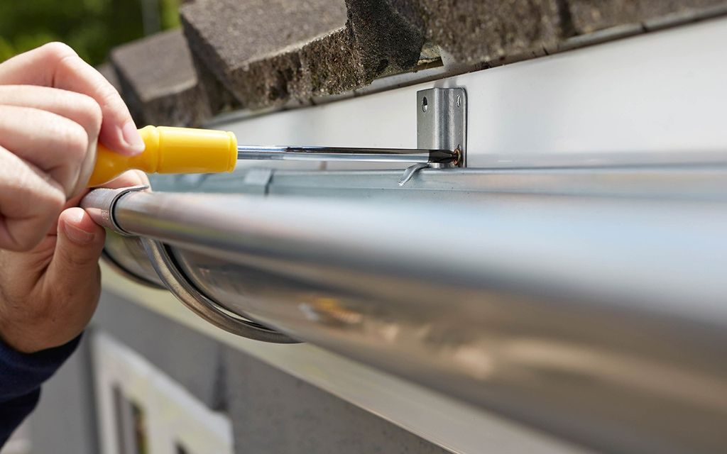 2019 Average Gutter Installer Cost With Price Factors