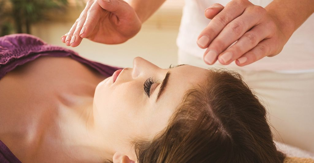 A Reiki master in New Castle, IN
