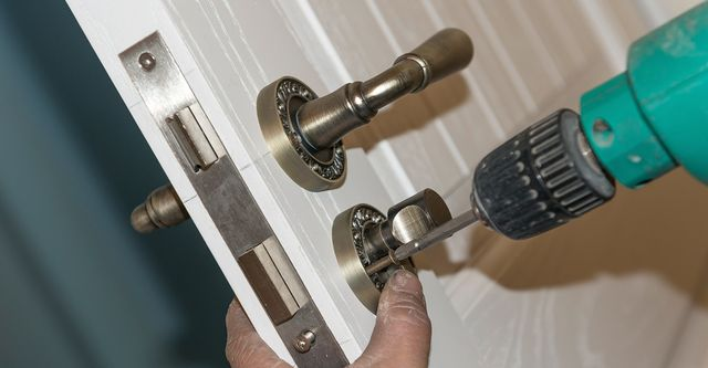 The Best Locksmiths Near Me (with Free Estimates)