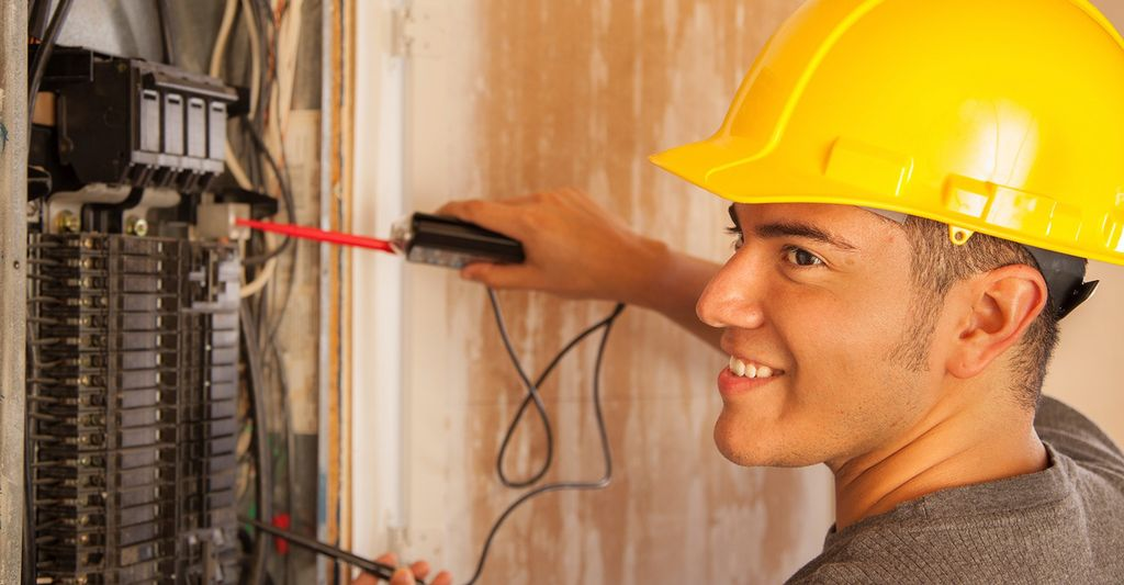 An electrician in Schererville, IN