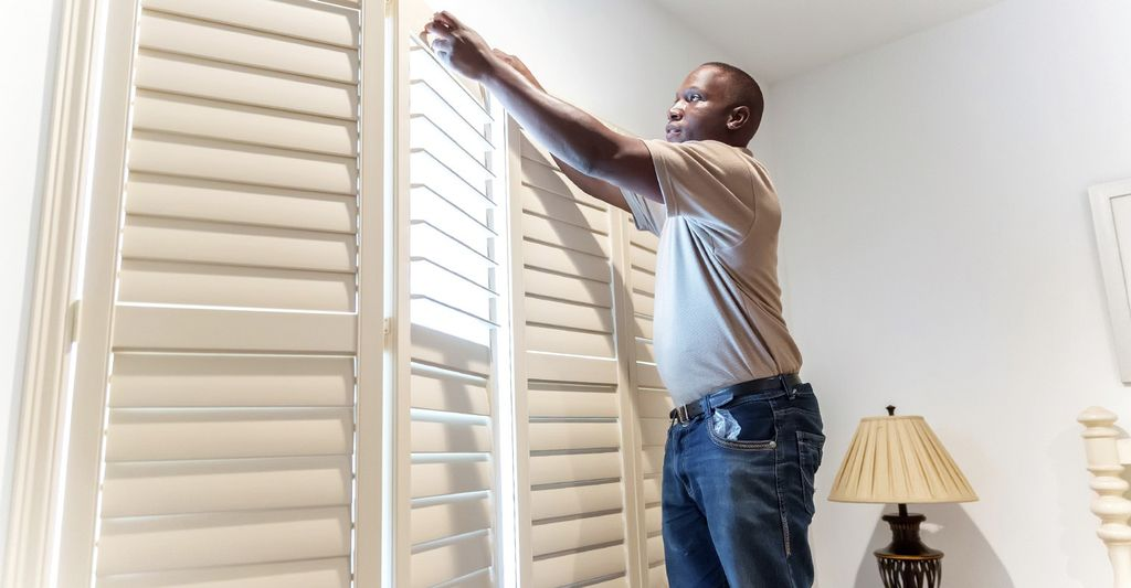 A shutter installer in Mill Run, OH