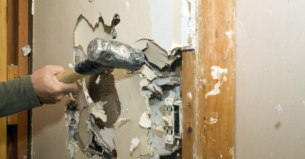 An interior wall remover in Modesto, CA