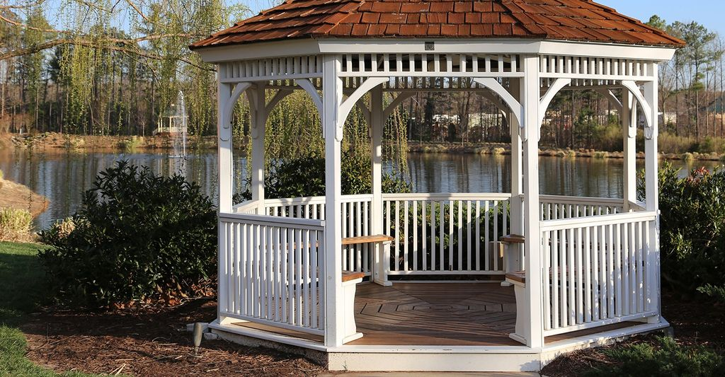 A gazebo professional in Minneapolis, MN