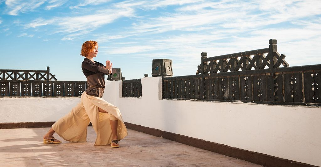 A vinyasa yoga instructor near you