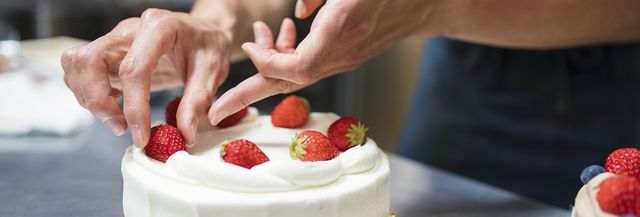 Marvelous The 10 Best Cake Decorators In Manchester Nh With Free Home Interior And Landscaping Ologienasavecom