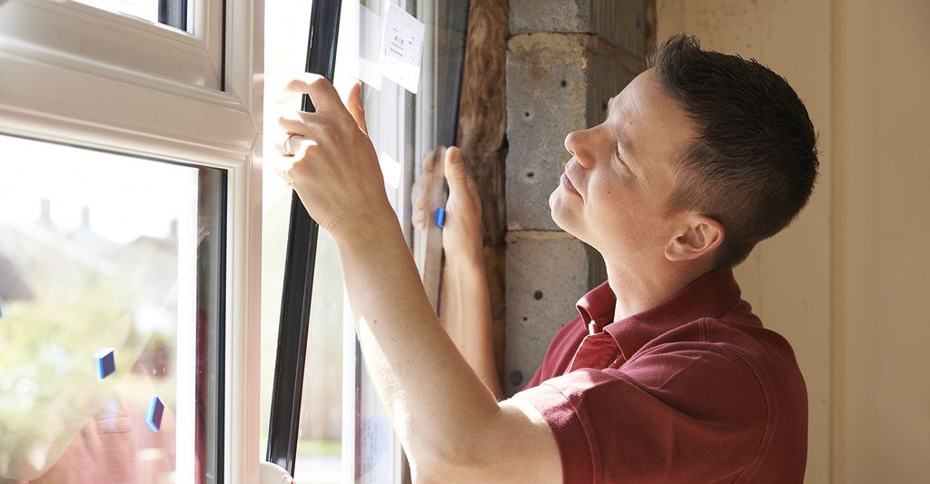 A home window replacement professional in Bessemer, AL