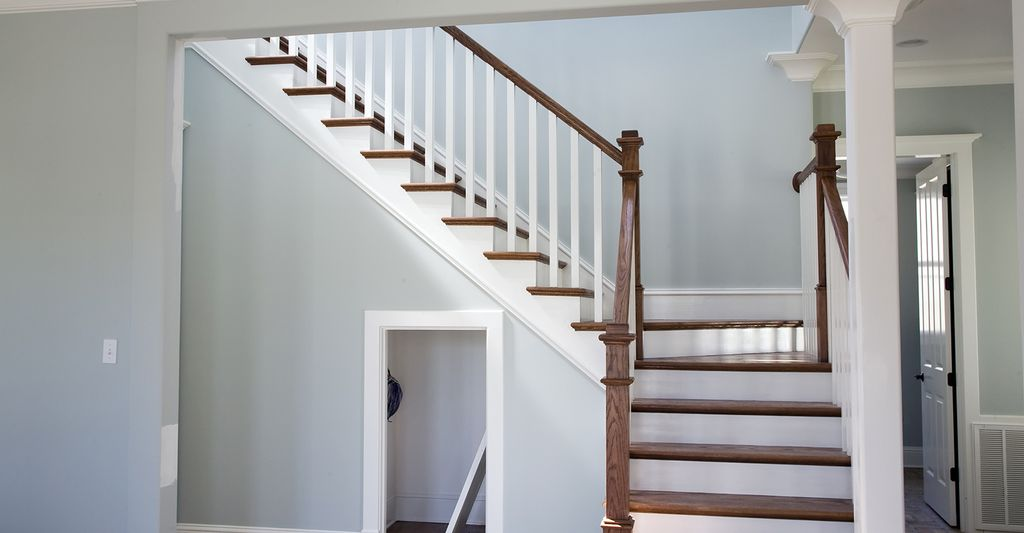 A stairs and railings contractor in Lawrence, MA