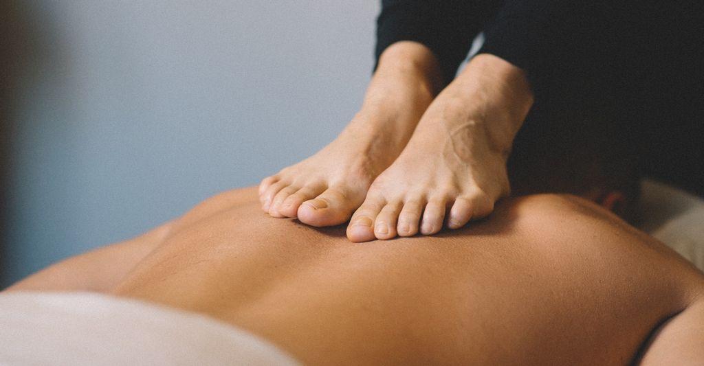 An ashiatsu massage therapist in Dunedin, FL
