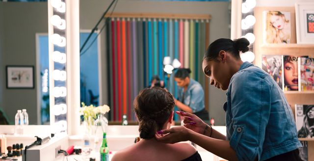 The 10 Best Mobile Hair Stylists Near Me (with Free Estimates)