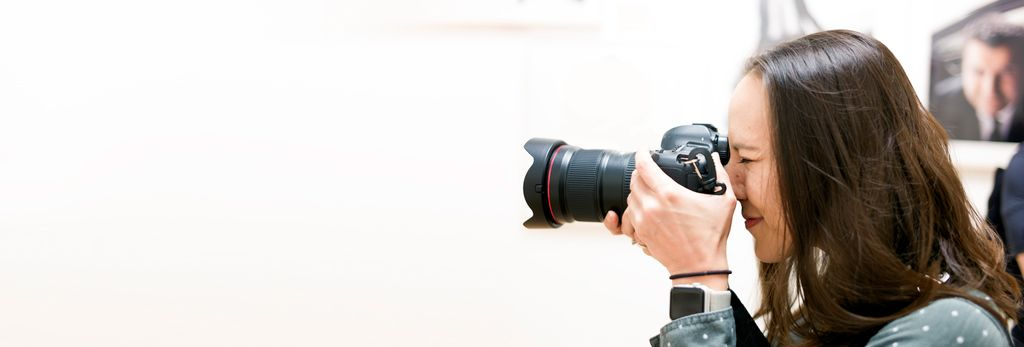 A headshot photographer in Mundelein, IL