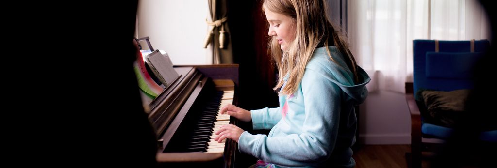 An easy piano lessons teacher near you