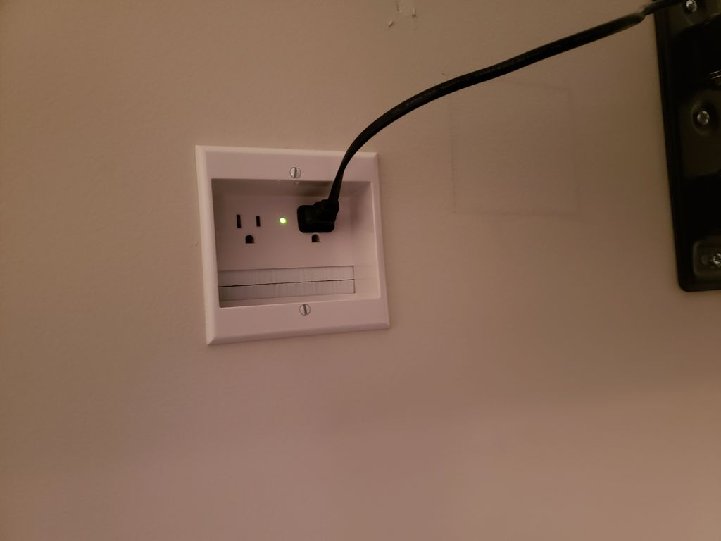 TV Mounting with wire concealment