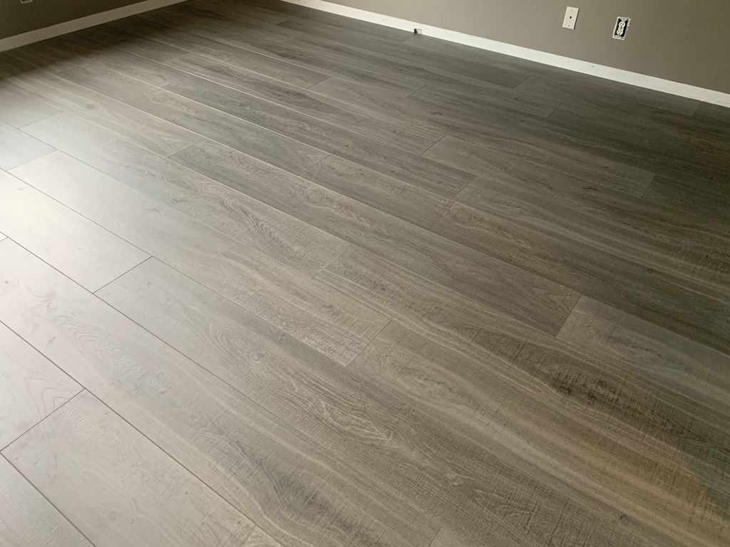 Waterproof flooring LVT and baseboard