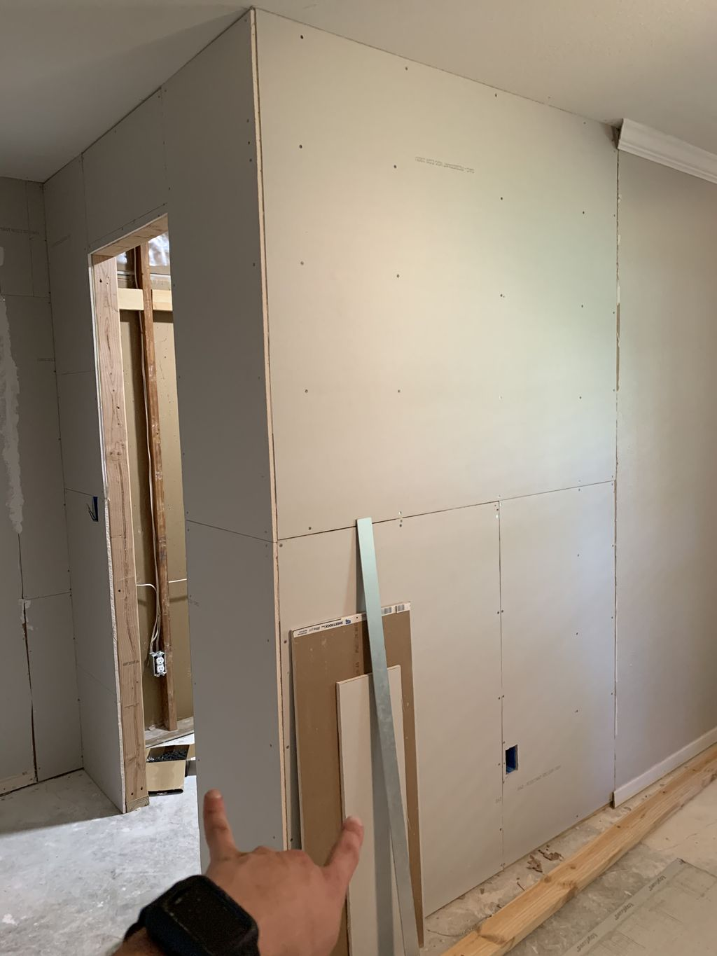 Drywall finish with crows foot texture